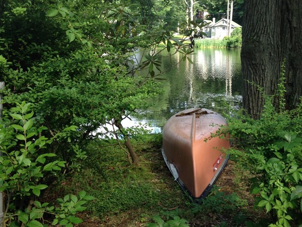 Lake Rogerene canoe all ready for a lazy summer ride