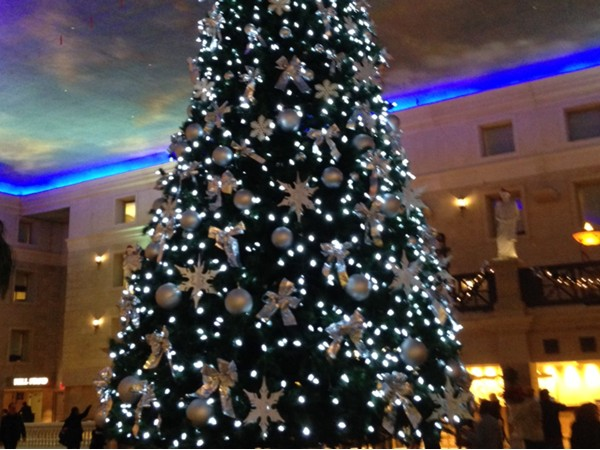 Christmas tree at Caesar's