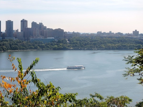 Hudson River views from the historic park in Fort Lee