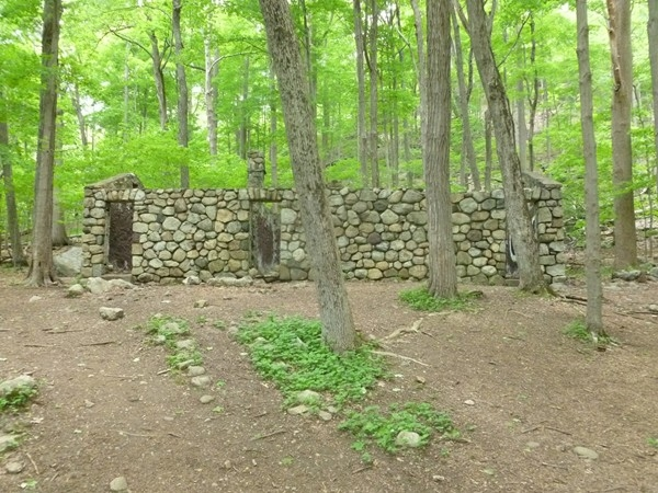 Ramapo Valley Reservation - Stone House on Orange Trail
