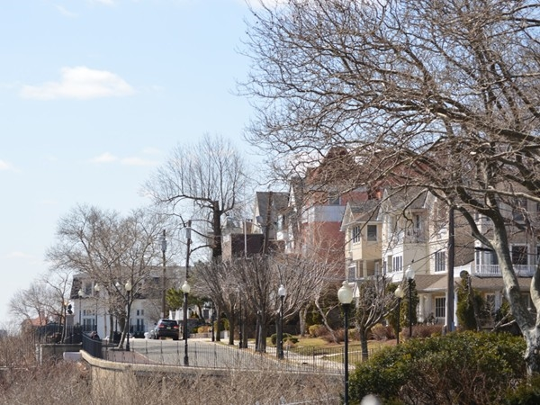 Boulevard East as spring begins