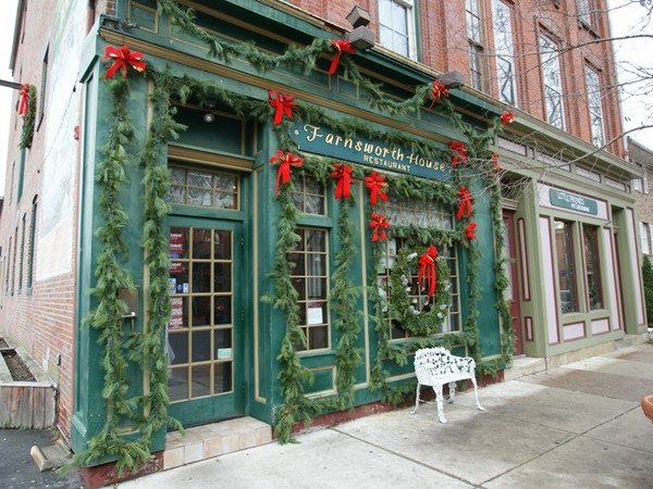 The Pub in the center of Bordentown has a great atmosphere, good drinks and food.