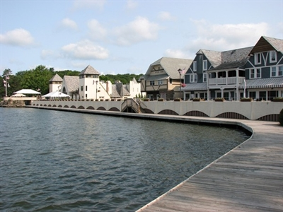 Boardwalk At Lake Mohawk In Sparta Featuring Restaurants An Art Gallery And Ice Cream