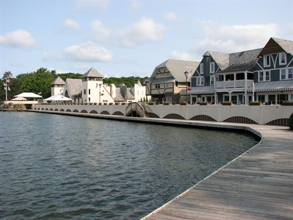 Boardwalk at Lake Mohawk in Sparta. Featuring restaurants, an art gallery and ice cream