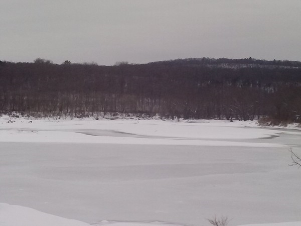 Poxono Boat Launch: The Frozen Delaware River in the Delaware Water Gap National Recreation Area