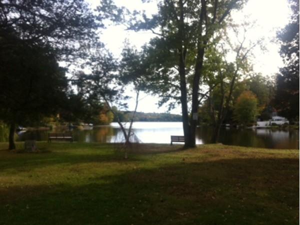Packanack Lake park area