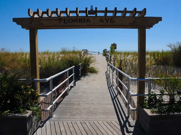 Florida Avenue entrance to the beach