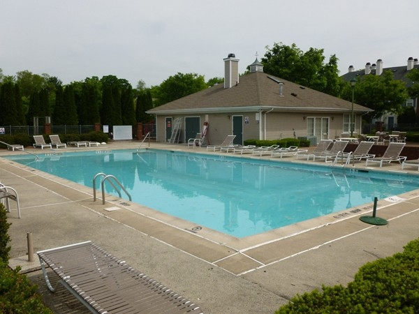 Franklin Crossing pool