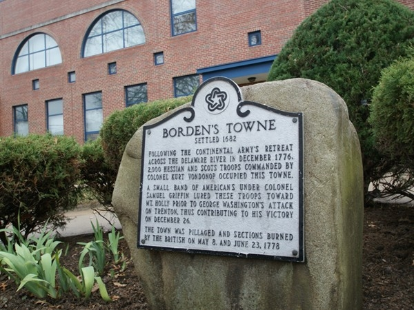 This historical plaque commemorates the way in which Bordentown received its name.