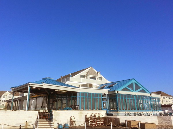 Located on the promenade overlooking the ocean, Rooney's is a popular spot to eat, drink & be merry