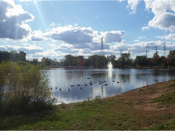 Beautiful Lake Papaianni, part of the Edison municipal complex
