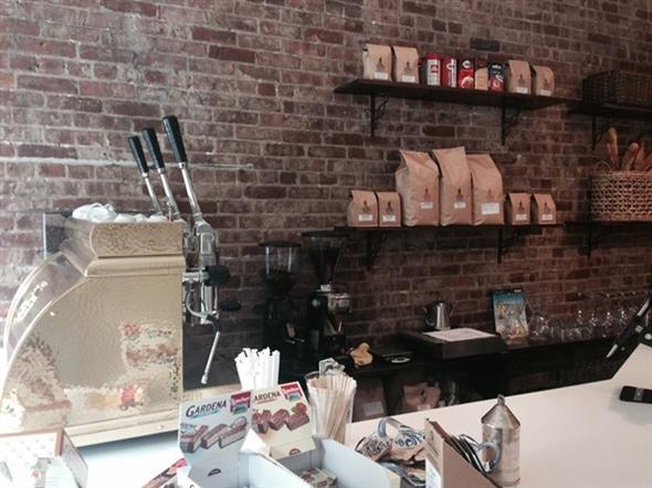 Authentic italian coffee at the Verde Vita Cafe on uptown Washington