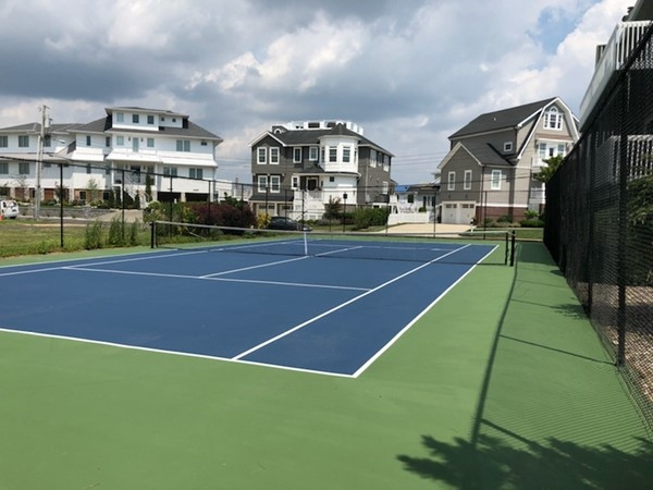 Tennis Courts at Island View