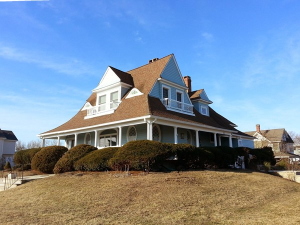 Located on the Monmouth Beach border, this is one of my favorite seashore colonials in the area