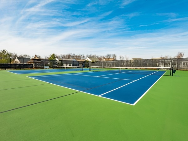 Four Seasons at Weatherby tennis courts