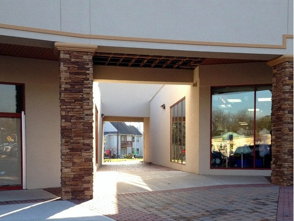 Walkway to Towne Pointe Shopping Center