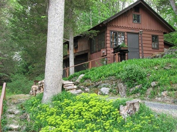 Cabins in the woods! Paulinskill Lake is a wonderful community with lots of lake style homes
