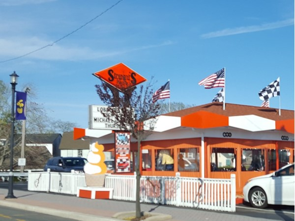 A beautiful day for a hamburger at Stewart's Drive In
