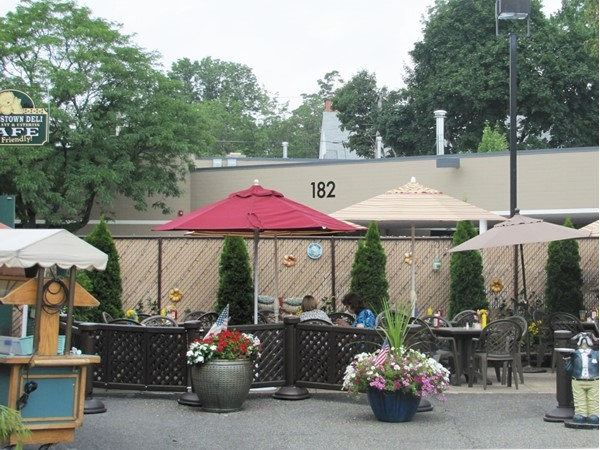 Morristown Deli and pet-friendly cafe
