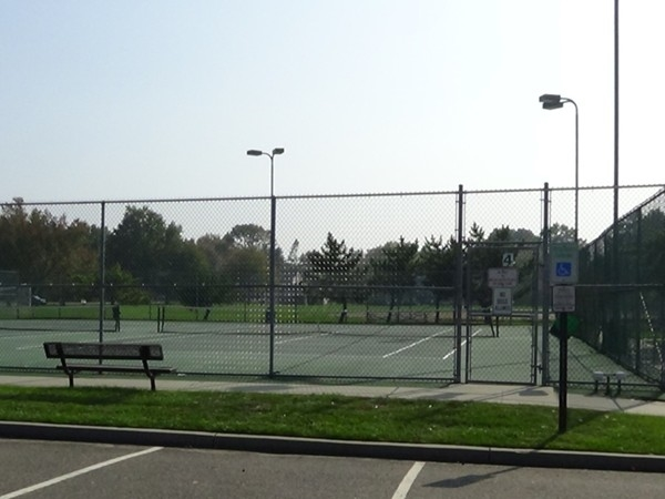 Blackberry Bay Park tennis courts