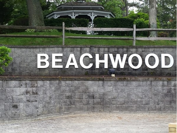 Welcome to the Beachwood waterfront