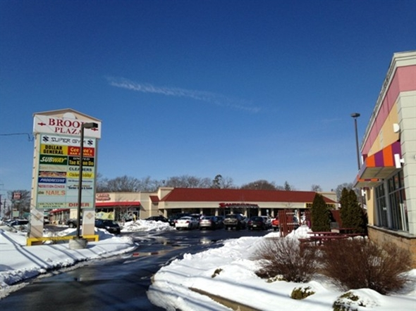 More great shopping on W County Line Road in Jackson Township at the Brook Plaza