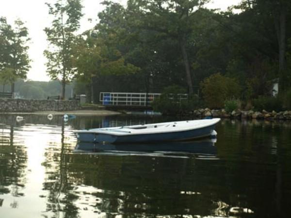 Sail boat moored on the main lake