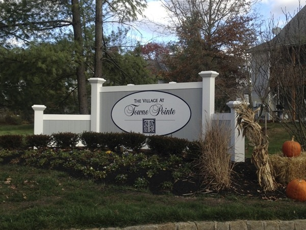 Entrance to Village at Towne Pointe