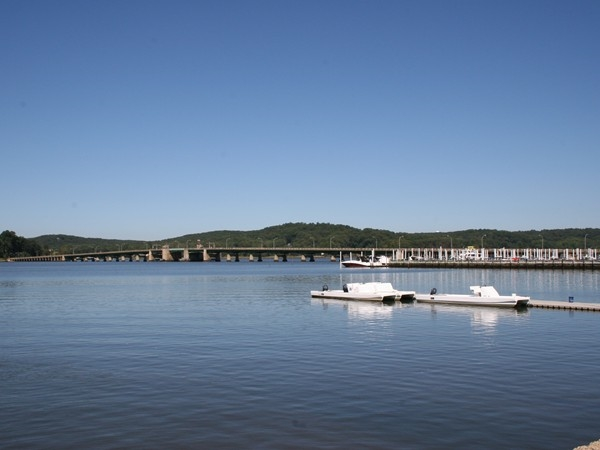 Oceanic Bridge connects Rumson to the Locust section of Middletown Township