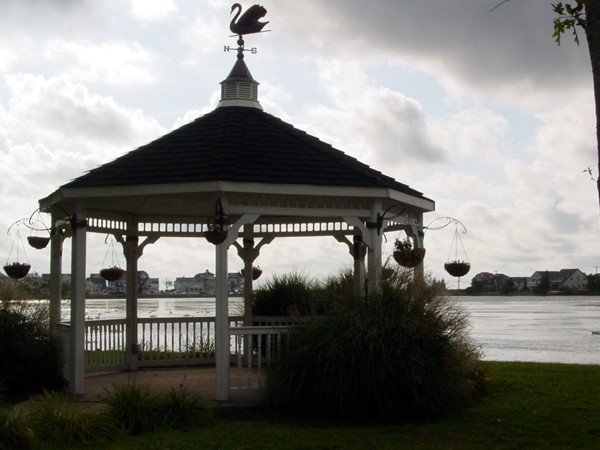 Picturesque gazebo at Silver Lake Park, just off Ocean Avenue