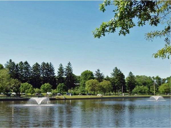 Lavish lake located in the eye-catching Roosevelt Park of Edison