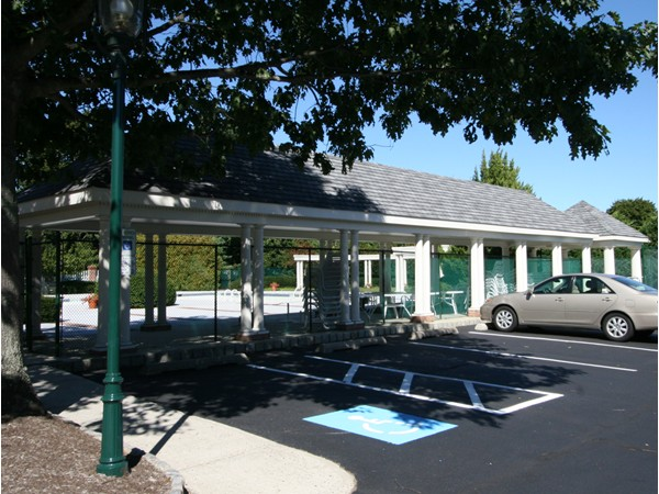 Alderbrook pool and tennis courts