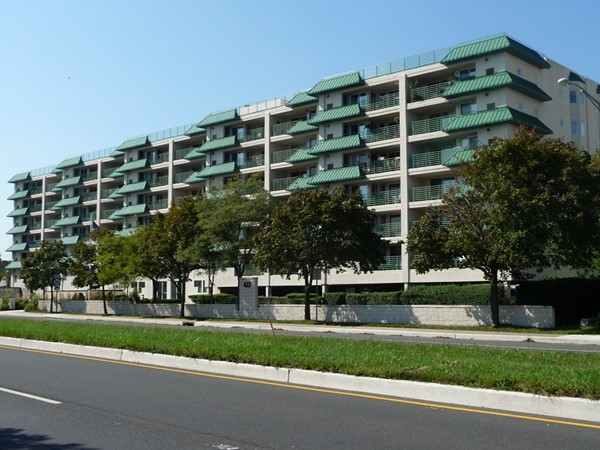 Ocean Pointe in North Long Branch is an affordable way to be within walking distance of the beach