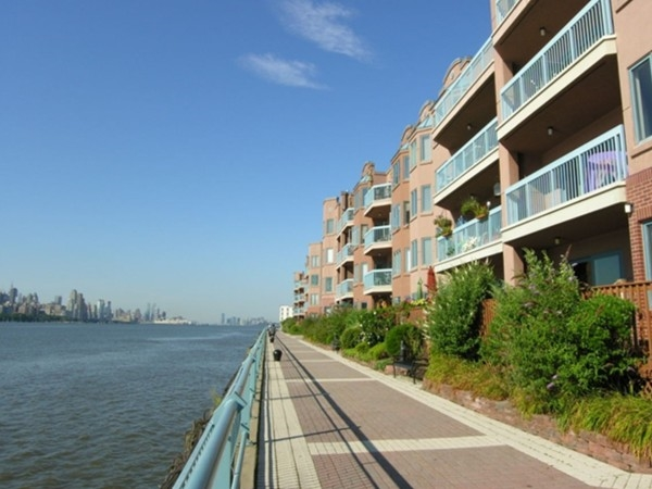 Hudson River and New York City views