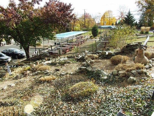 Demarest Farms gardens: Famous for hay rides and apple picking