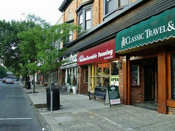 Downtown Metuchen offers a grand variety of restaurants, cafes, shops and much more to explore!