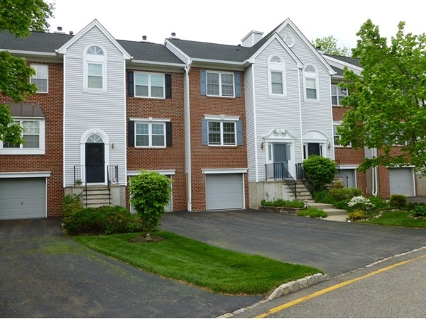 Darlington Ridge - Townhouses available with garage