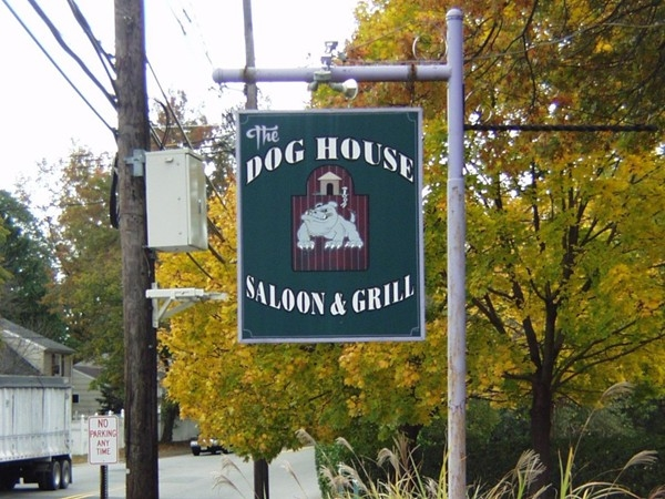 Washington Town Center: The Dog House