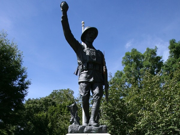 Veterans Park Statue