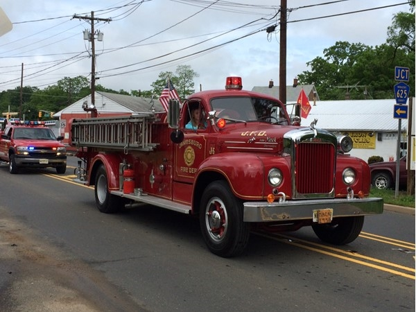 Memorial Day Parade and a beautiful old firetruck