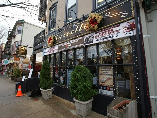 Marcello's makes great pizza, and the holiday decorations look wonderful!