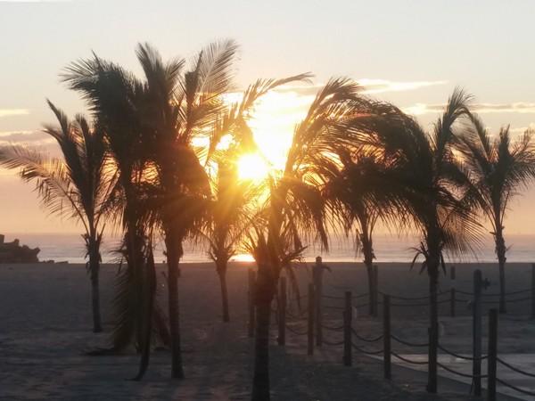Sunrise at Jenkinson's Beach