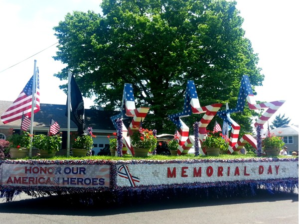 Memorial Day Parade in Hamilton Square