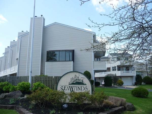Sea Winds is a pet restricted community on the Shrewsbury River