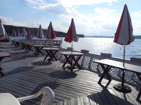 Jefferson House deck for lunch or dinner on Lake Hopatcong