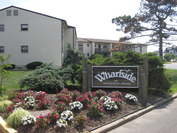 Riverfront complex is most affordable and one block from the beach. Offers pool, bbq, boat slips