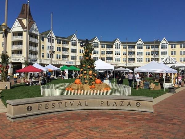 Pier Village autumn festivities