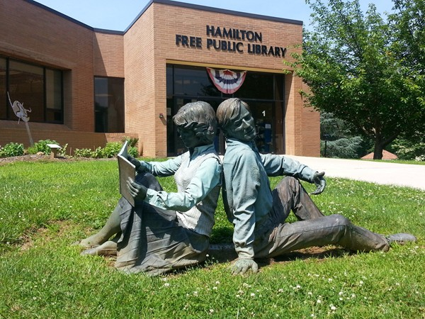 Sculptures by Seward Johnson outside of the Hamilton Library