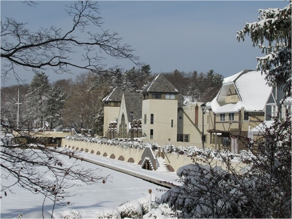 Lake Mohawk Country Club and boardwalk winter views