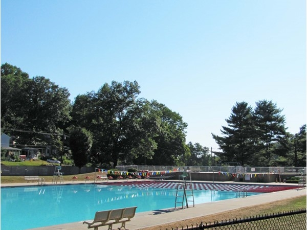 Morristown outdoor pools at the base of Burnham Park neighborhood